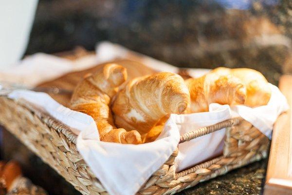 Fresh bread for breakfast at Alpenappart Rimlhof
