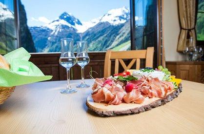 Brettljause im Alpenappart Rimlhof in Längenfeld